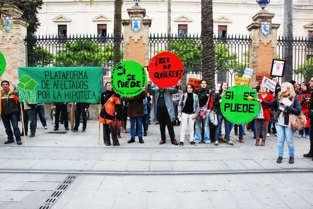 Imagen con foto Stop desahucios en abril de 2013