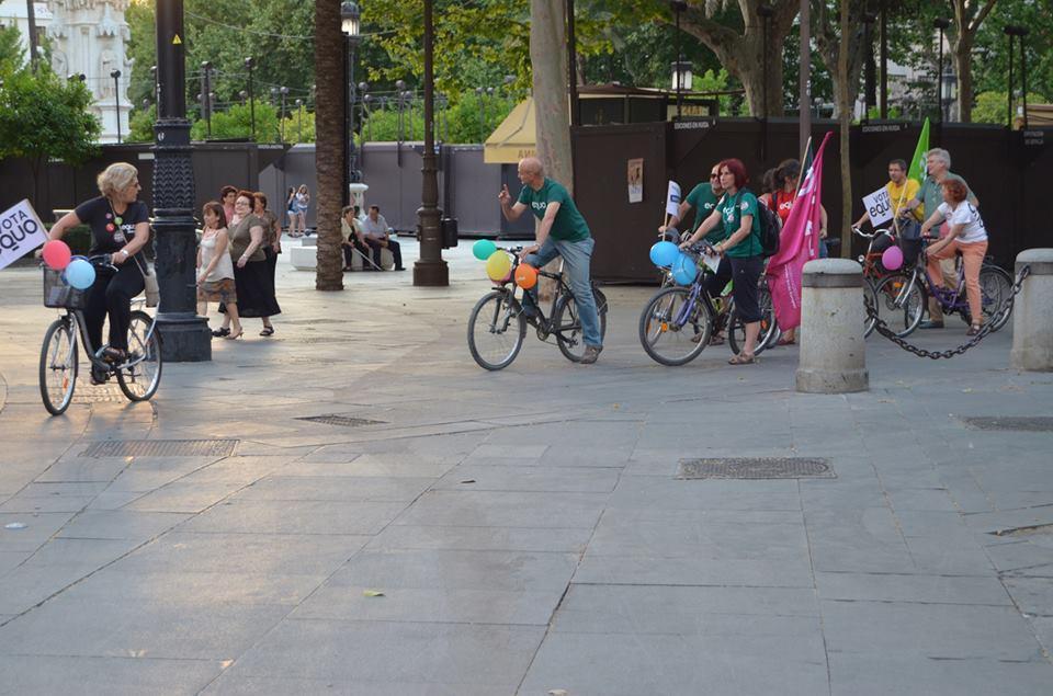 Campaña de EQUO en Sevilla en bicicleta
