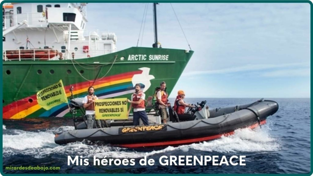 Foto de los héroes de Greenpeace frente a las prospecciones de petróleo en Canarias. España.