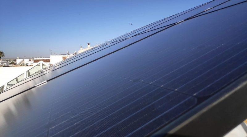 Placas solares fotovoltaicas instaladas