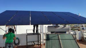 Instalacion de placas fotovoltaicas para autocuonsumo en casa por parte de Quaqtum Energía verde