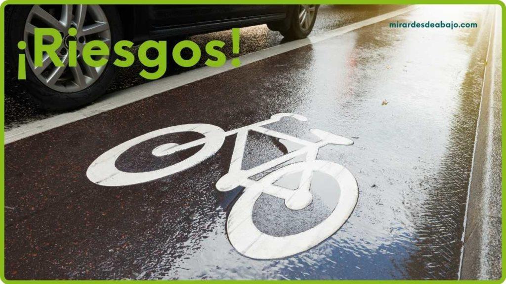 Imagen riesgo de la proximidad del carril bici con los coches